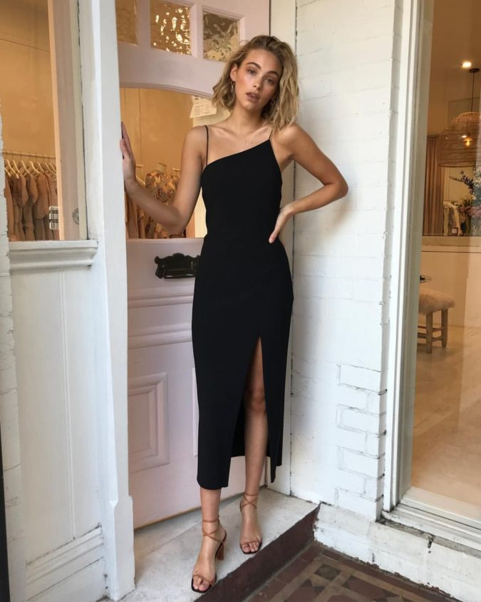 Slip-dress-and-strappy-sandals-675x844 120+ Breathtaking Birthday Party Outfits for Ladies