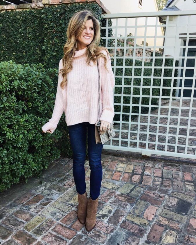 Sweater-and-boots..-675x844 140+ Lovely Women's Outfit Ideas for Winter 2020 / 2021