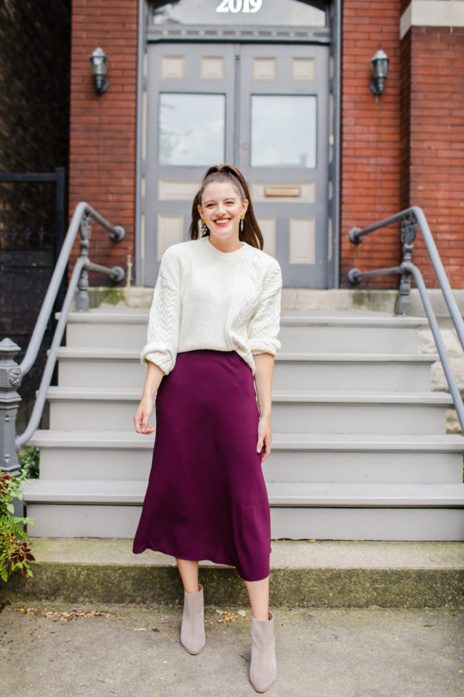 Sweater-with-skirt-1-675x1013 140 First-Date Outfit Ideas That Make You Special