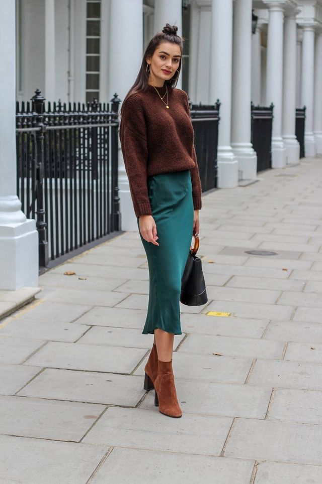 Sweater-with-skirt.-1 140 First-Date Outfit Ideas That Make You Special