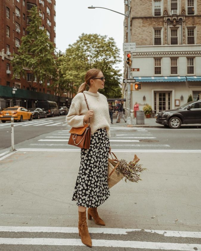 Sweater-with-skirt..-1-675x843 140 First-Date Outfit Ideas That Make You Special