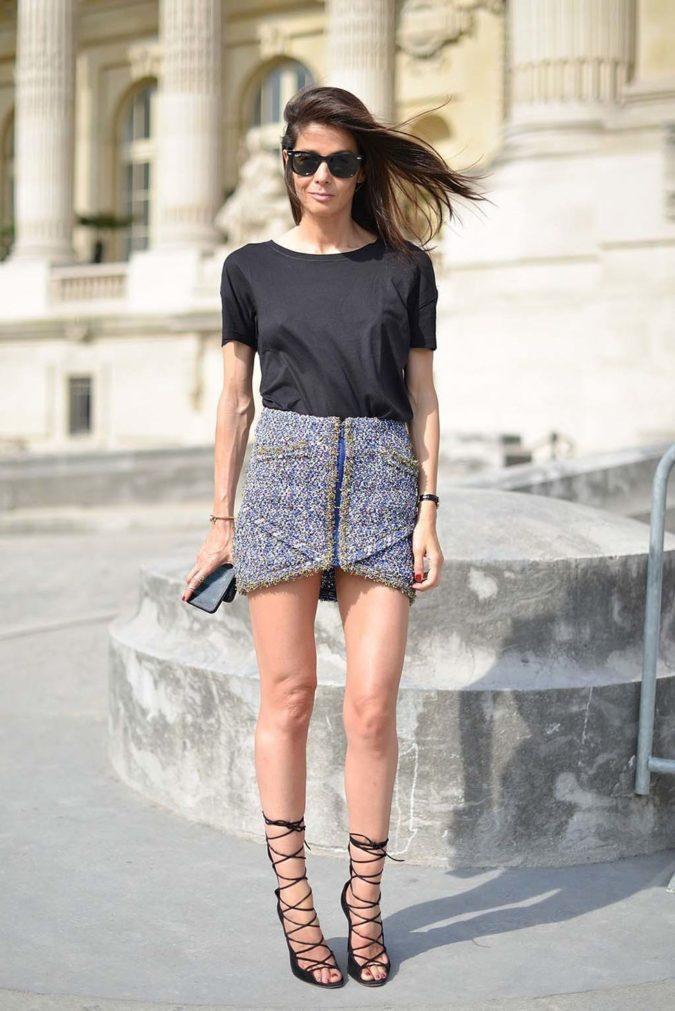 T-shirt-and-miniskirt..-3-675x1011 140 First-Date Outfit Ideas That Make You Special