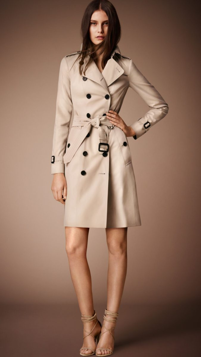 Trench-coat..-1-675x1198 140+ Lovely Women's Outfit Ideas for Winter 2020 / 2021