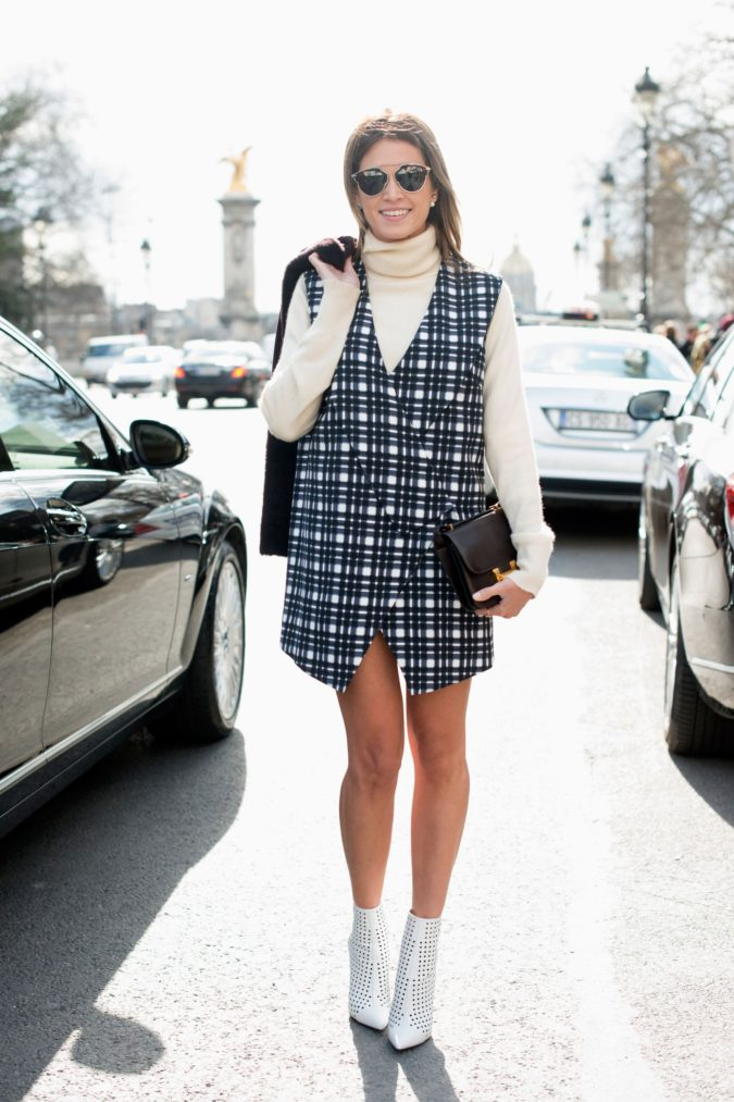Turtlenecks-under-dresses-675x1013 140+ Lovely Women's Outfit Ideas for Winter 2020 / 2021