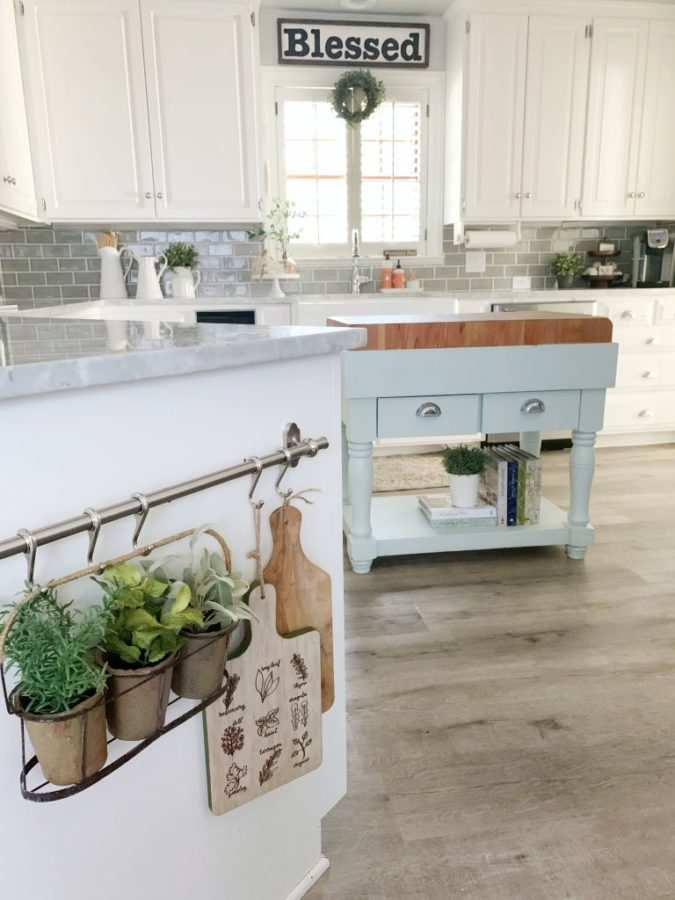 Using-forgotten-space..-675x900 100+ Smartest Storage Ideas for Small Kitchens in 2021