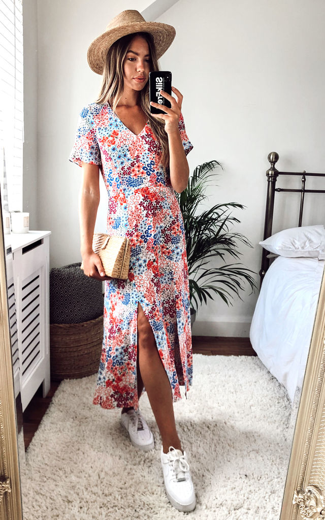 V-neck-midi-dress-1 140 First-Date Outfit Ideas That Make You Special