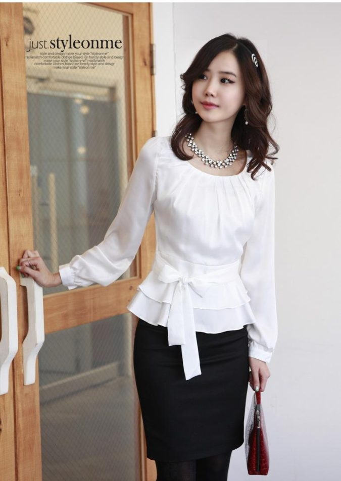 dressy-blouse-2-675x953 140 First-Date Outfit Ideas That Make You Special