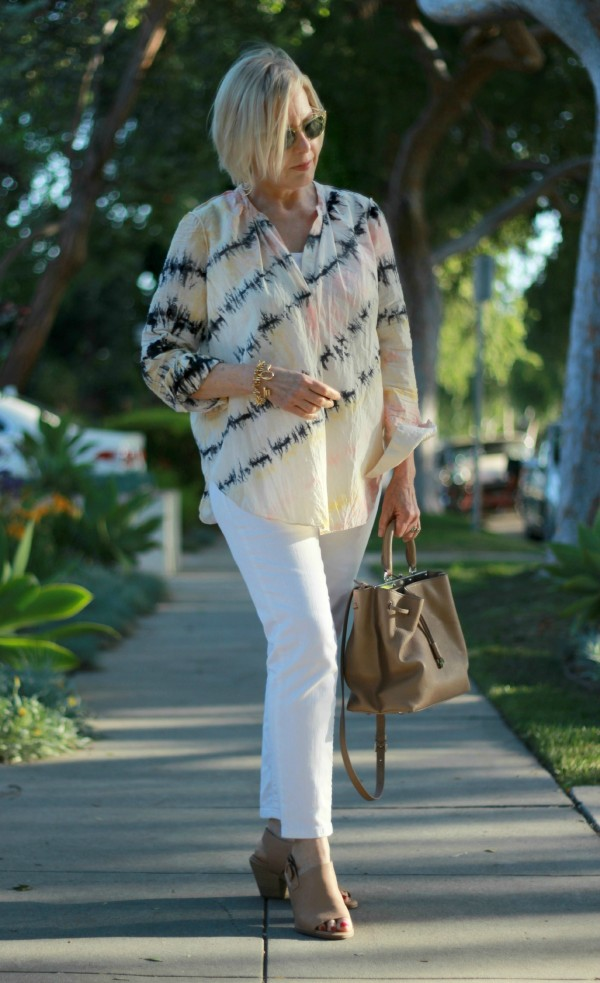 Chic-style-3 110+ Elegant Outfit Ideas for Women Over 60