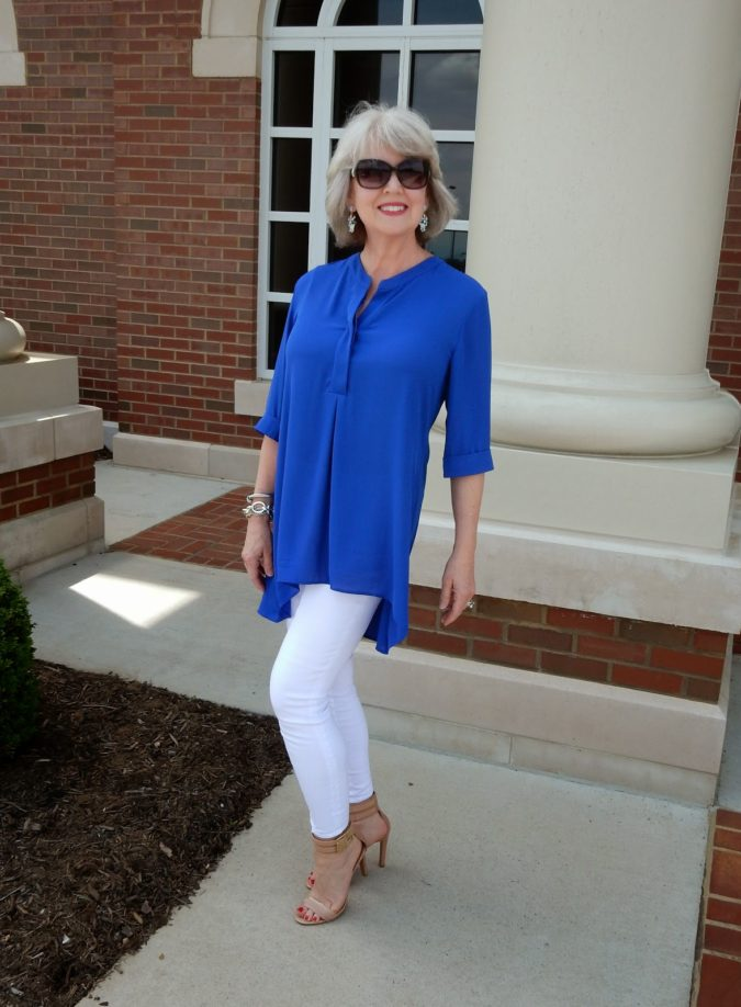 Chic-style.-2-675x918 110+ Elegant Outfit Ideas for Women Over 60