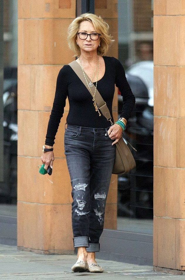 Cropped-jean-trousers-1 80+ Fabulous Outfits for Women Over 50