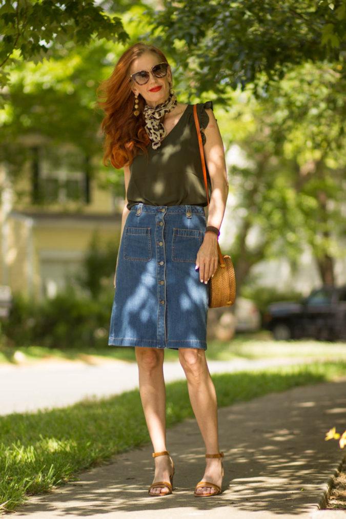 Denim-jean-skirt.-1-675x1013 80+ Fabulous Outfits for Women Over 50