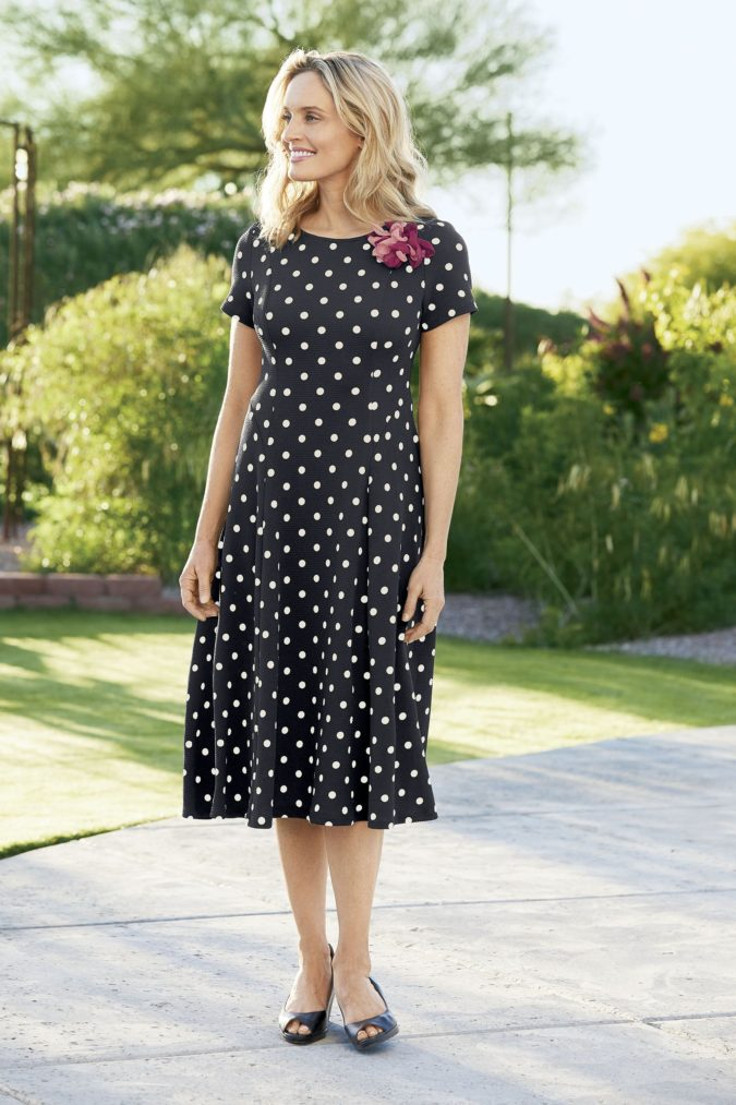 Fit-and-flare-dress-1-675x1013 80+ Fabulous Outfits for Women Over 50