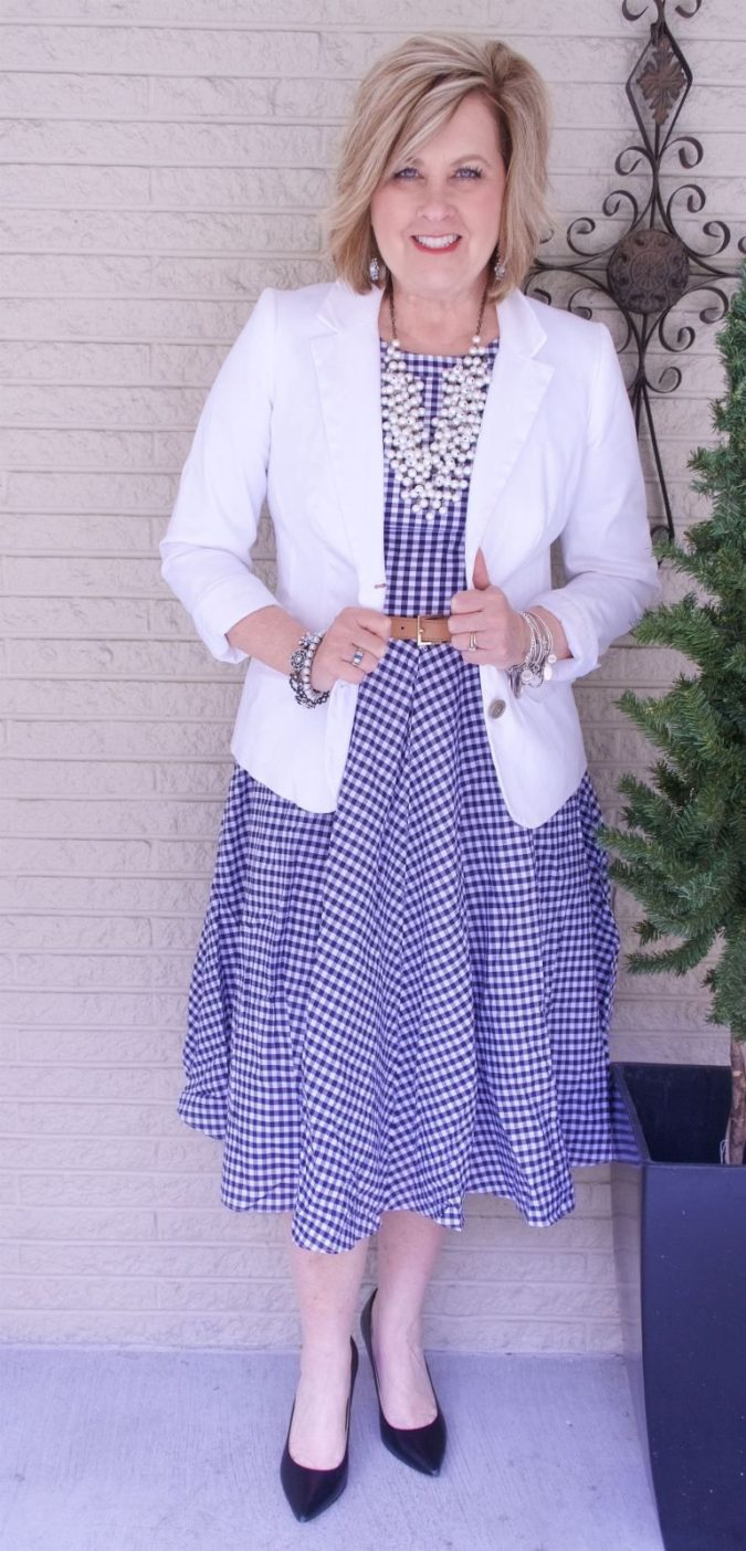 Fit-and-flare-dress.-675x1404 80+ Fabulous Outfits for Women Over 50