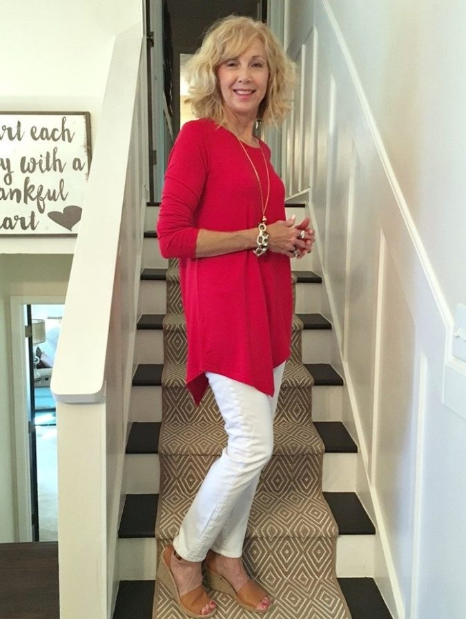 Long-sleeve-blouse-2-675x895 110+ Elegant Outfit Ideas for Women Over 60