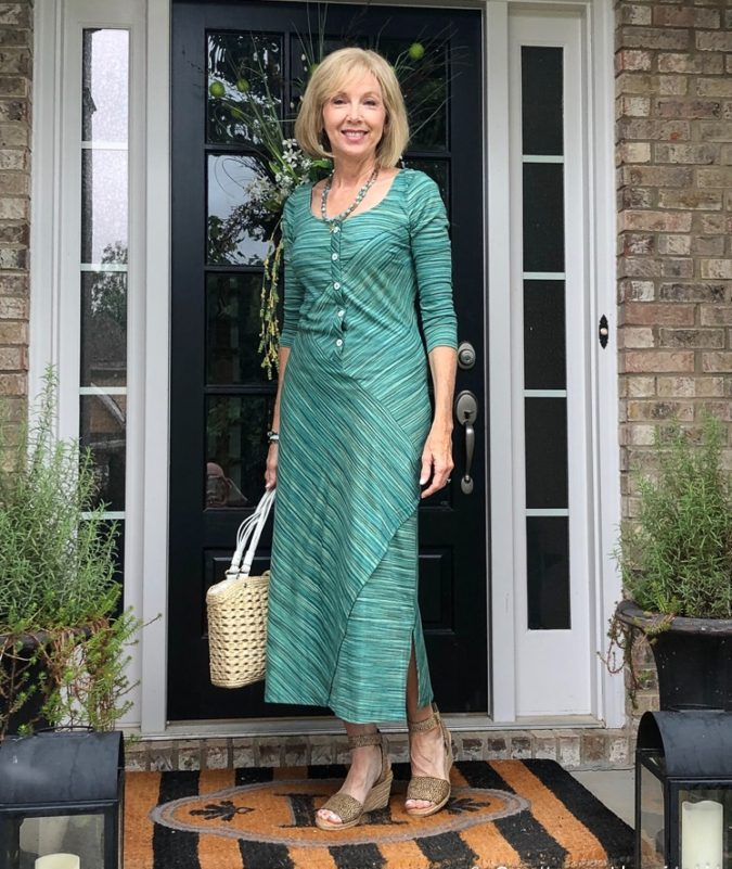 Midi-dress-1-675x801 80+ Fabulous Outfits for Women Over 50