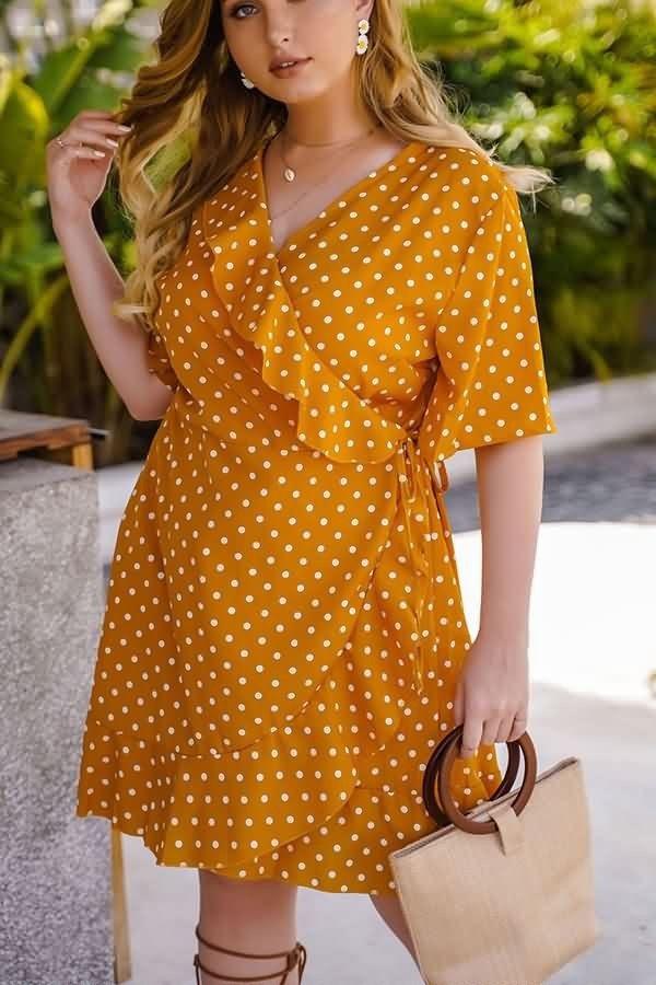 Polka-dot-dress.-2 70+ Stylish Plus-Size Fashion Trends in 2021