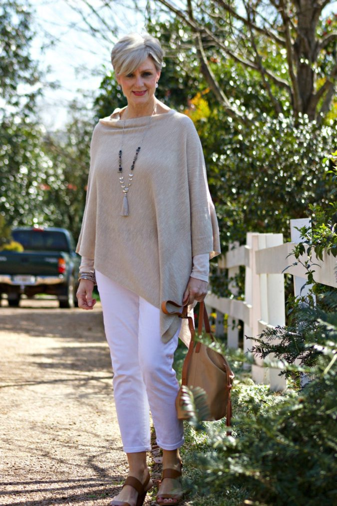 Poncho-long-sleeve-and-trousers.-675x1013 80+ Fabulous Outfits for Women Over 50
