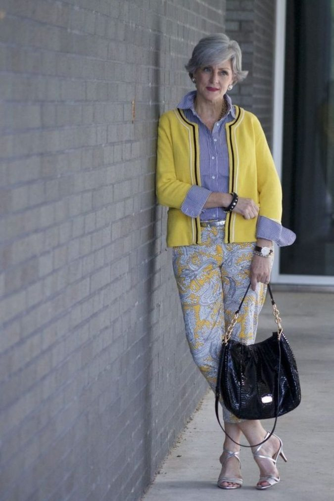 Printed-pants..-675x1013 80+ Fabulous Outfits for Women Over 50