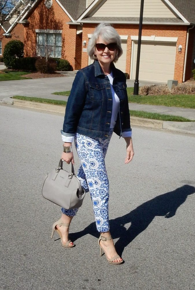 Wearing-denim..-675x1004 110+ Elegant Outfit Ideas for Women Over 60