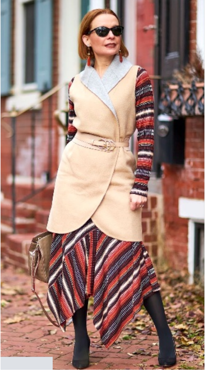 Your-chic-side.-675x1218 80+ Fabulous Outfits for Women Over 50