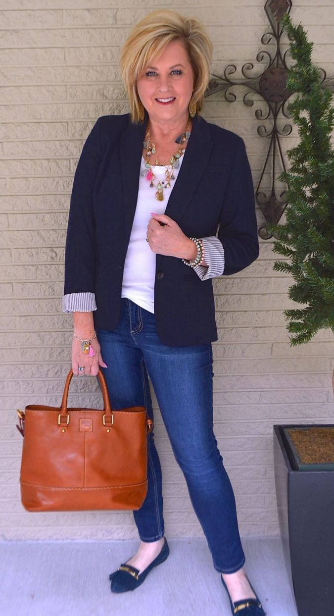 blazer-and-jeans-3-675x1244 80+ Fabulous Outfits for Women Over 50