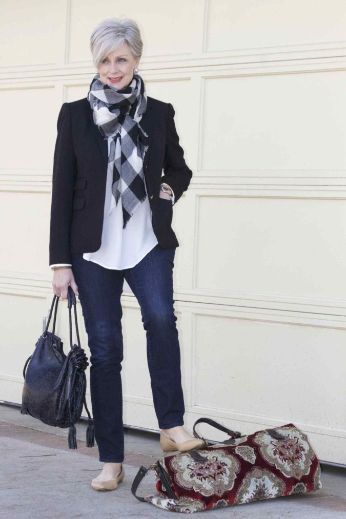 blazer-and-jeans..-1-675x1013 80+ Fabulous Outfits for Women Over 50