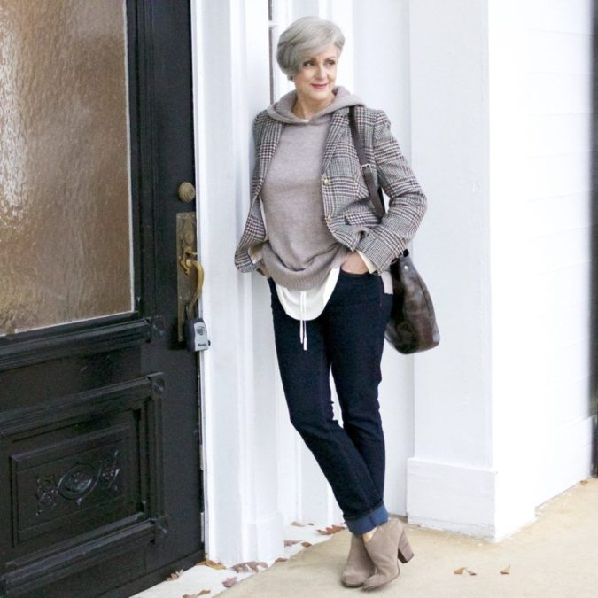 blazer-and-jeans..-675x675 80+ Fabulous Outfits for Women Over 50