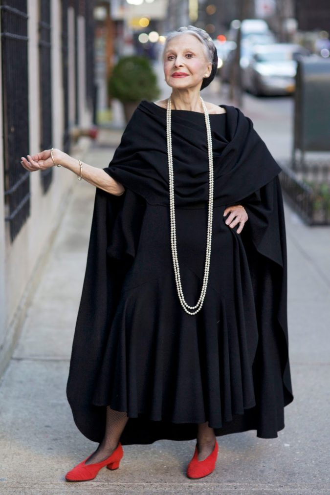 dark-dress.-675x1013 110+ Elegant Outfit Ideas for Women Over 60