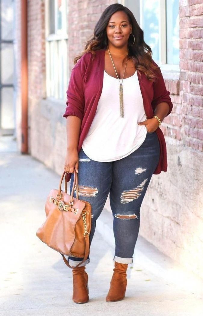 distressed-jeans-2-675x1051 70+ Stylish Plus-Size Fashion Trends in 2021