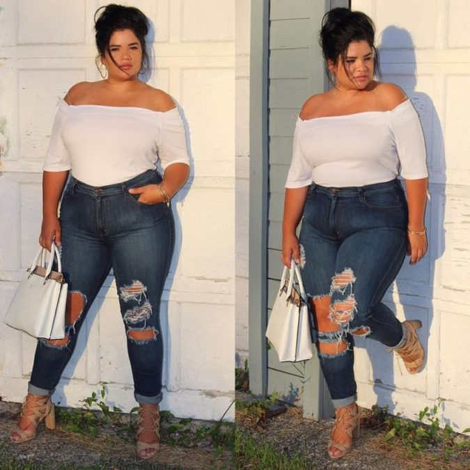 distressed-jeans.-2-675x675 70+ Stylish Plus-Size Fashion Trends in 2021