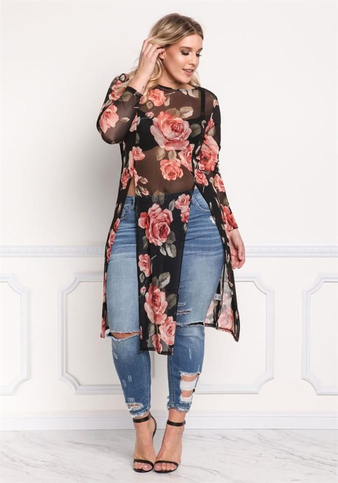 distressed-jeans.-675x964 70+ Stylish Plus-Size Fashion Trends in 2021