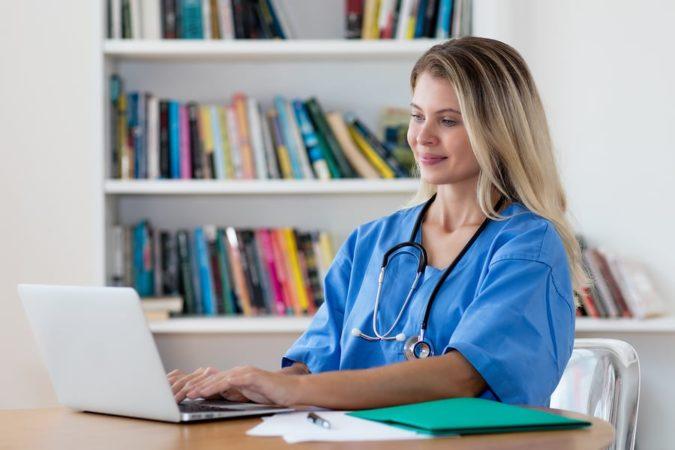laptop-Nurse-Administrator-675x450 How to Progress Your Nursing Career