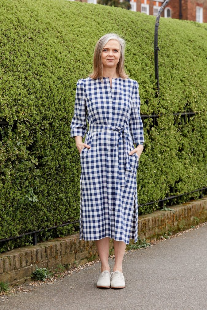 midi-dress..-675x1013 80+ Fabulous Outfits for Women Over 50