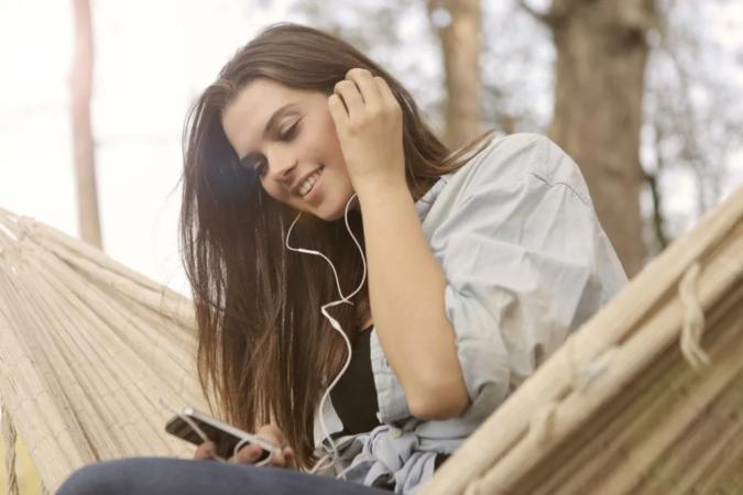 mobile-instagram-675x450 Mindfulness: Do Meditation Apps Really Work?
