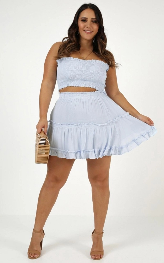 sexy-1 70+ Stylish Plus-Size Fashion Trends in 2021