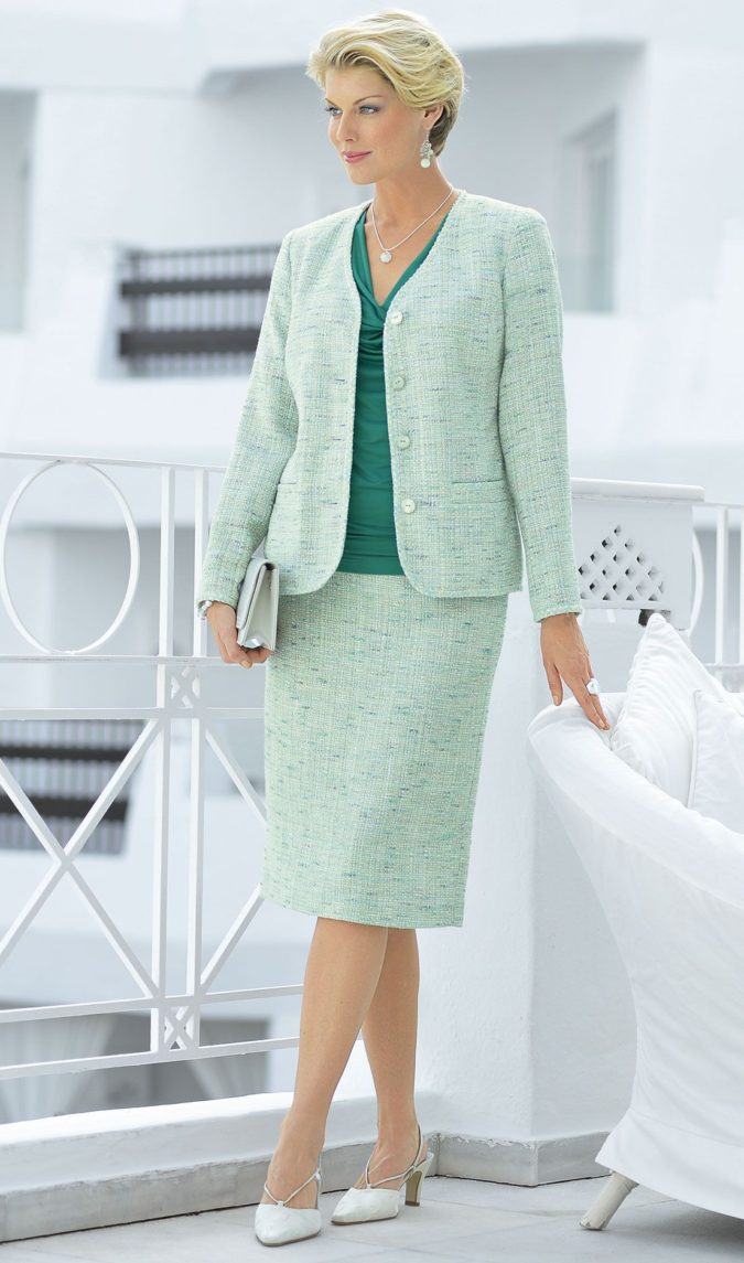 suit.-1-675x1145 80+ Fabulous Outfits for Women Over 50