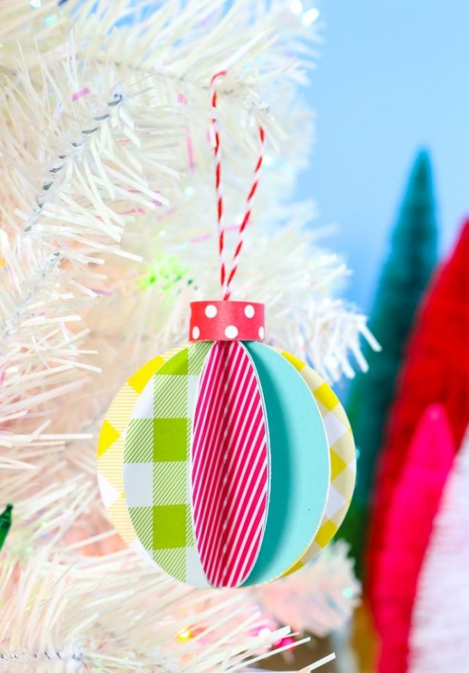 3D-paper-decorations-1-675x968 60+Untraditional Christmas Decorations to Transform Your Home Look This Year
