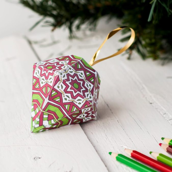 3D-paper-decorations.-5-675x675 60+Untraditional Christmas Decorations to Transform Your Home Look This Year