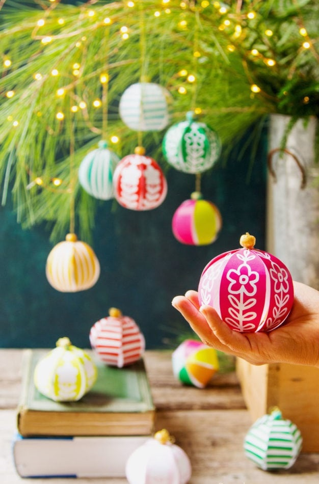 3D-paper-decorations.. 60+Untraditional Christmas Decorations to Transform Your Home Look This Year