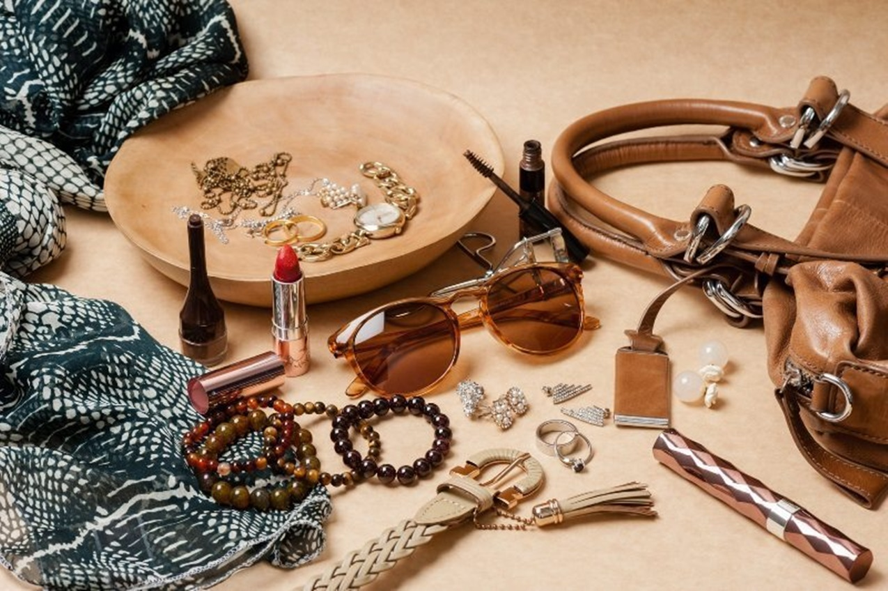 Accessories. Best 6 Christmas Gift Ideas for Teenagers