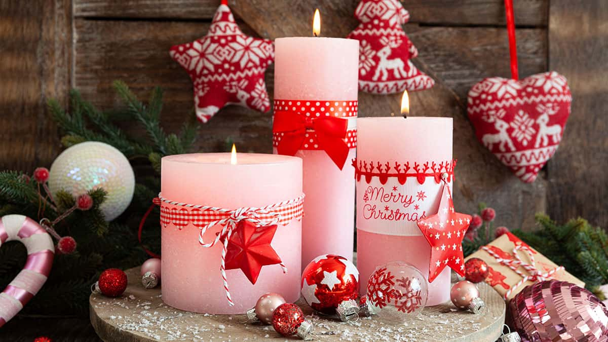 Candles-3 60+ Creative Ways to Decorate Your Home for This Christmas