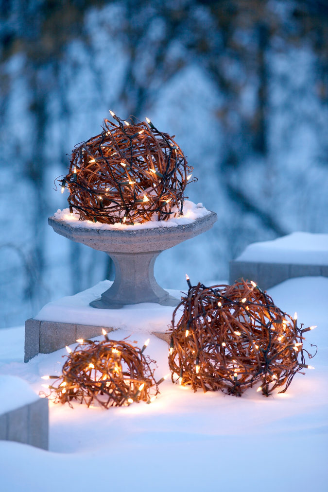 Christmas-decorations-2-675x1013 Let Your Outdoor Area Twinkle by This Year Christmas Lights Decorations