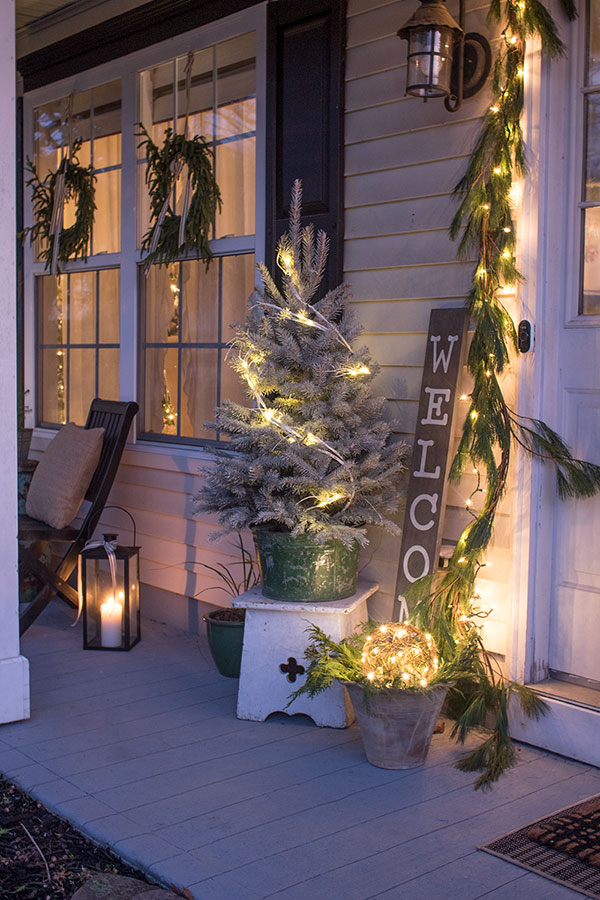 Christmas-decorations.-2 Let Your Outdoor Area Twinkle by This Year Christmas Lights Decorations