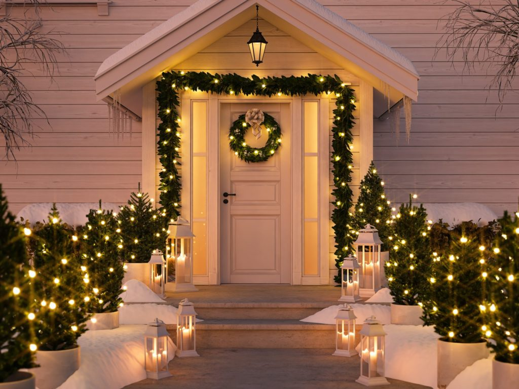 Christmas-light-decoration-1024x768 Let Your Outdoor Area Twinkle by This Year Christmas Lights Decorations