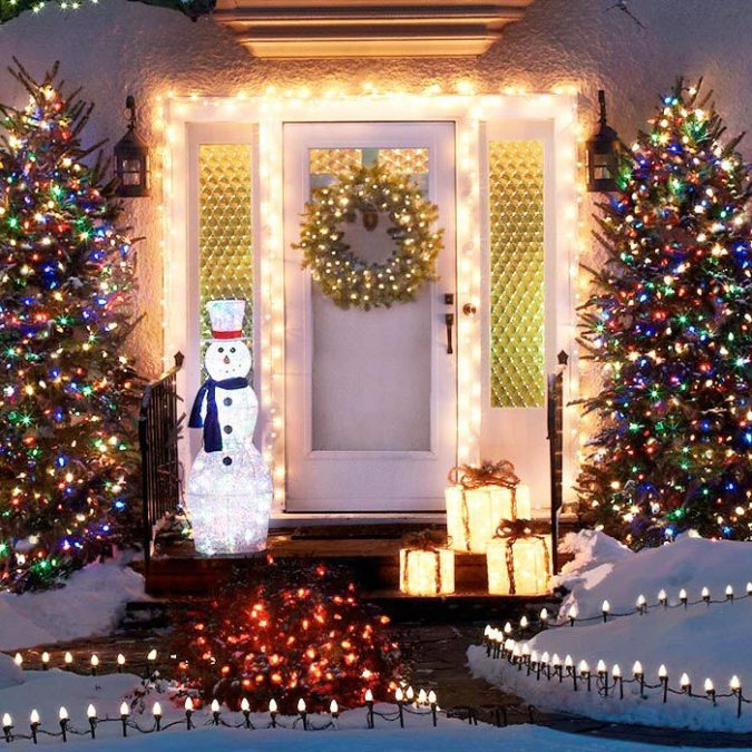 Christmas-light-decoration.-3-675x675 70+ Impressive Christmas Decorations to Do Yourself in 2021