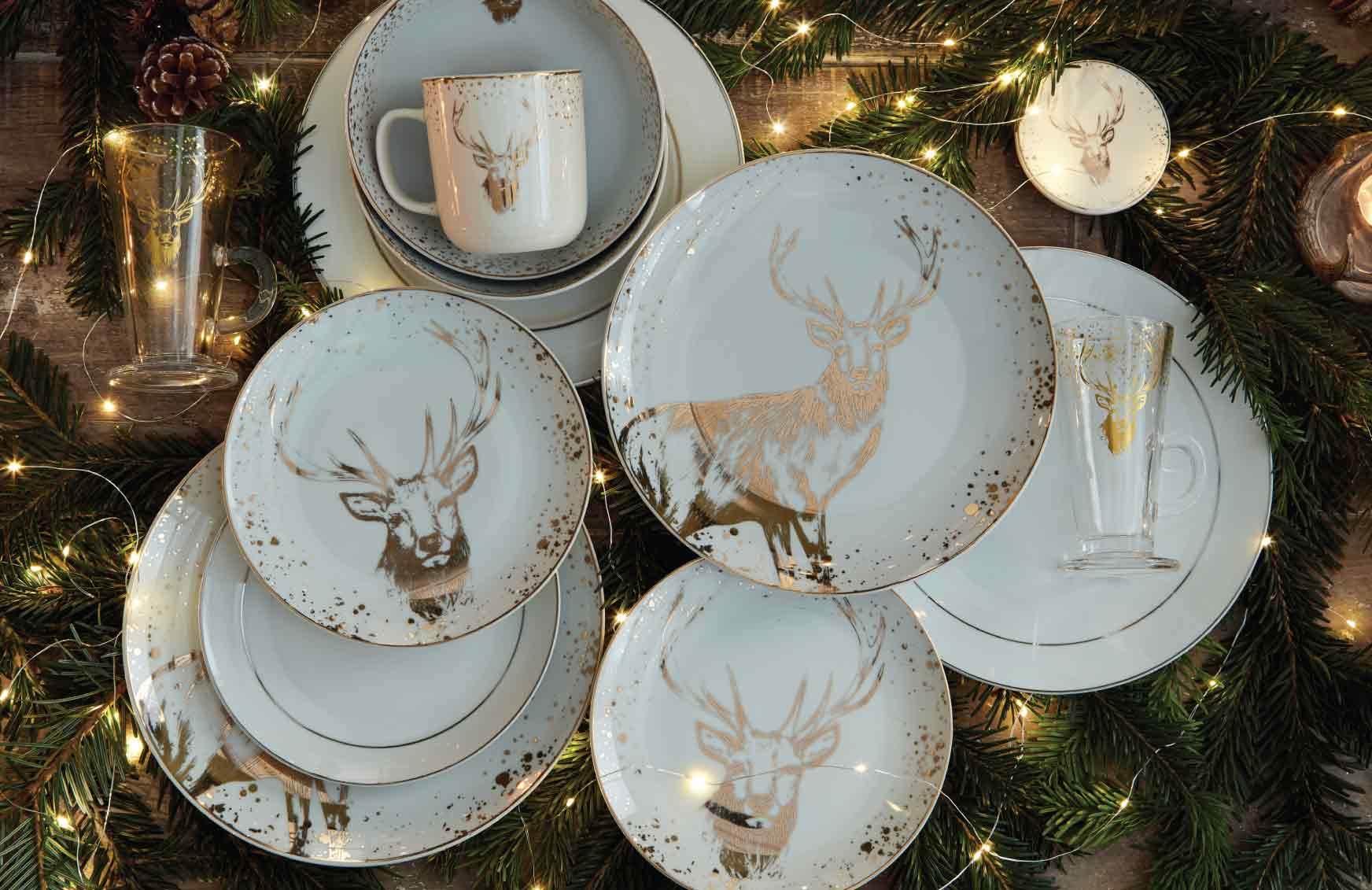 Christmas-tableware-2 60+ Creative Ways to Decorate Your Home for This Christmas
