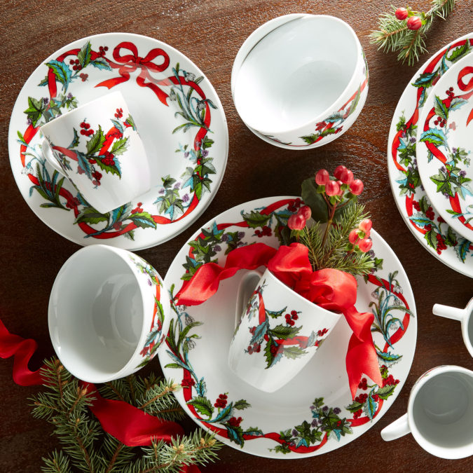 Christmas-tableware-675x675 60+ Creative Ways to Decorate Your Home for This Christmas