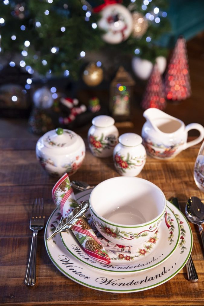 Christmas-tableware..-1-675x1013 60+ Creative Ways to Decorate Your Home for This Christmas