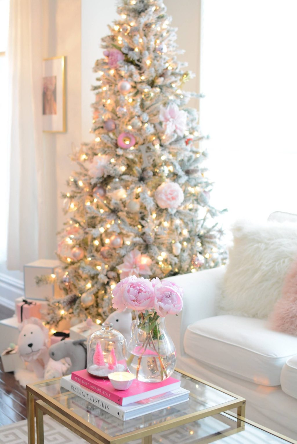 Christmas-tree-Decoration-1-1024x1532 Master Christmas Tree Decoration by Simple Tips and 50+ Ideas