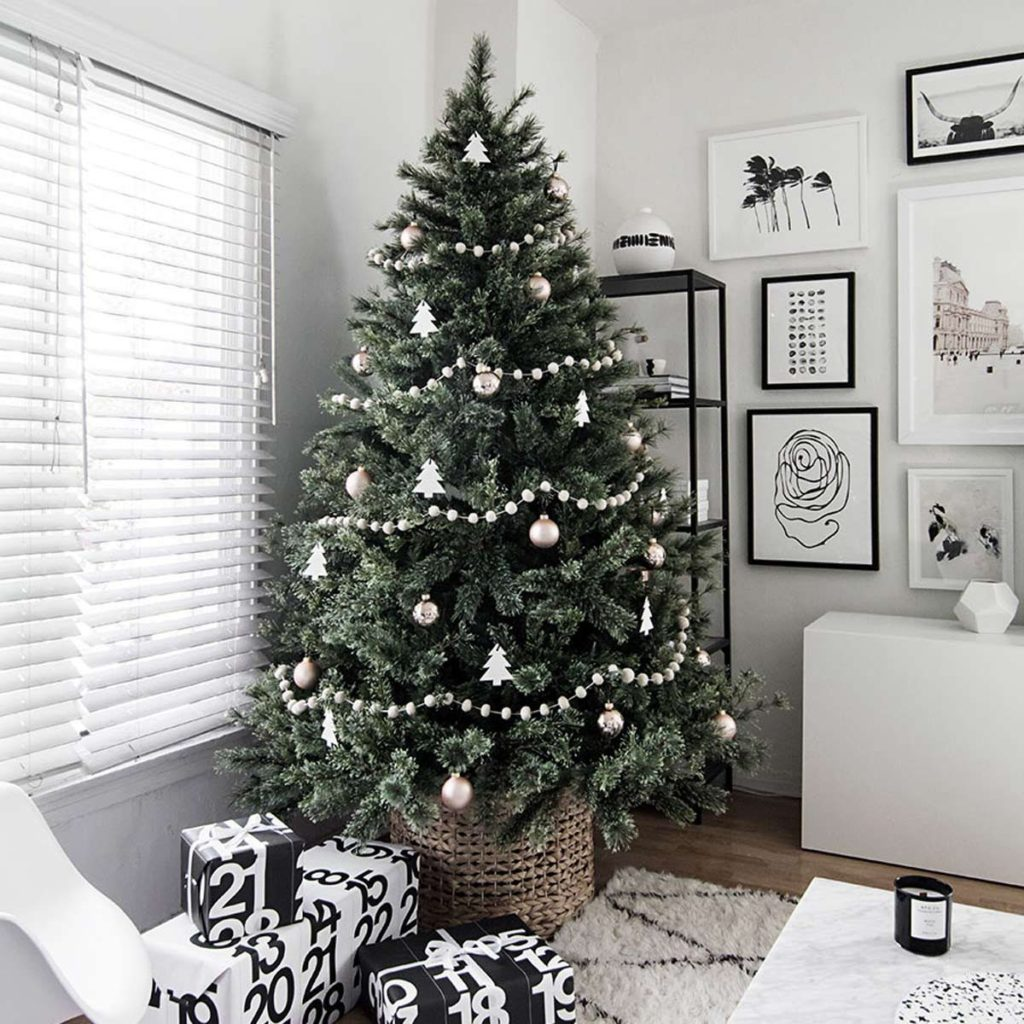 Christmas-tree-Decoration.-2-1024x1024 Master Christmas Tree Decoration by Simple Tips and 50+ Ideas